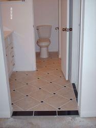 Upstairs Main Bedroom/Bathroom