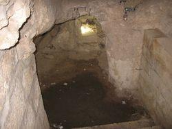 Cueva donde Jesus rezo el Padrenuestro con sus discipulos