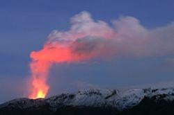 Uitbarstende vulkaan