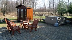 Sauna, hot tub and patio