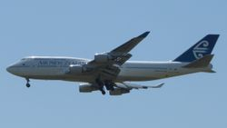 Air New Zealand Boeing 747-400 ZK-NBV