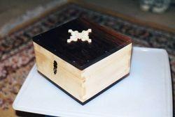 Walnut topped maple box