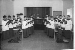 Handcross park school chapel choir