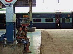 22 Homeless children on an Agra railway platform