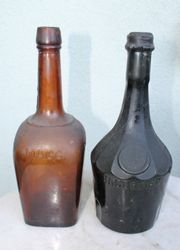 Antikvarinisi butelisi. 2 vnt. Kaina po 8