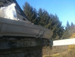 Radius gutters for turret