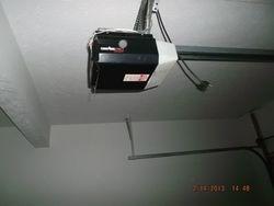 Electric Garage door oper