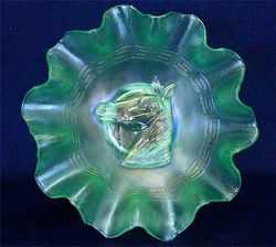 Pony 10 ruffled bowl in ice green