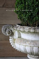#29/235 VIGNETTE FRENCH CONCRETE PLANTER