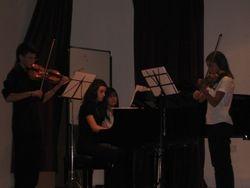 DUO de violines y piano en concierto