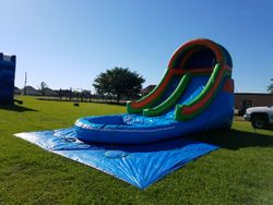 16'x27' Front load water slide