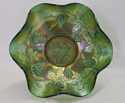 "Vintage 10"" ruffled bowl - green"