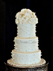 white wedding cake 2