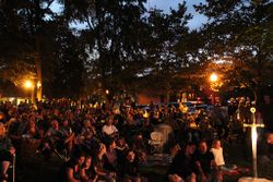 We heard it was the biggest crowd ever in Farmin park!