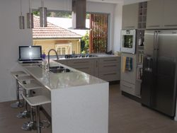 2. Gloss Kitchen with 30mm Stone Benchtops.