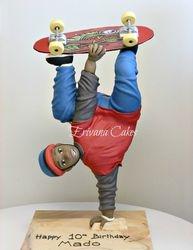 Gravity Defying - 3d Skateboard cake