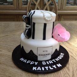 Kaitlyn;s cake
