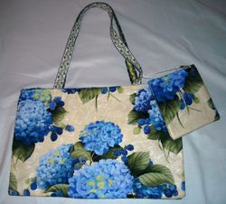 Hydrangeas bag & pouch to match