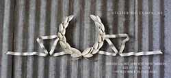 #28/050 LAUREL WREATH WITH RIBBON