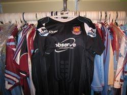 2006/07 away shirt (front)