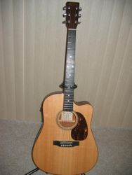 Martin DC-16GTE Premium Acoustic / Electric.