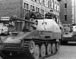Marder III / 38(t) rear mounted weapon: