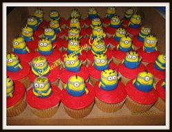 CC53 - Despicable Me Minions Cupcakes