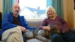 Sofakos med Fritz og Eva