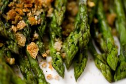 Asparagus with Garlic Bread Crumbs