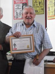 Keith Martinelli wins living hero award