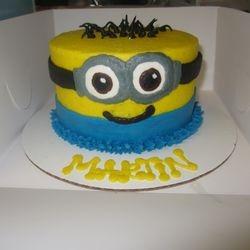 Minion Smash Cake