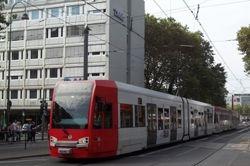 K4000 tram in Hahnenstrasse.