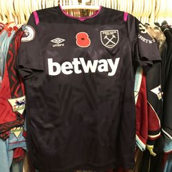 Declan Rice worn, and signed poppy shirt