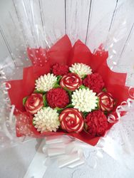 Red and white cupcake bouquet