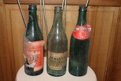 Tarybiniai alaus, vyno, limonado buteliai.