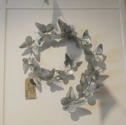 Butterflies Swirl