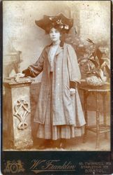 Margaret Mills about 1908
