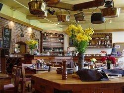 Annies Wine Bar