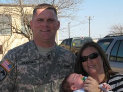 Sgt Kelly Hudgins and family