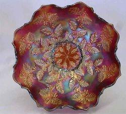Holly ruffled bowl, red