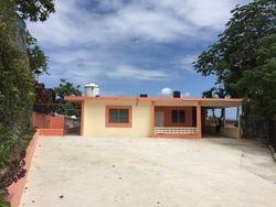 Recientemente pintada y reacondicionada, techos sellados con Donosa.