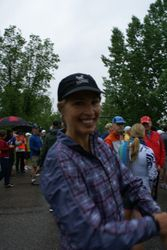 Erna is waiting at the start