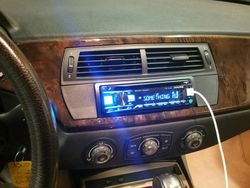 2007 BMW Z4 si Alpine CD and Powerpack Amp