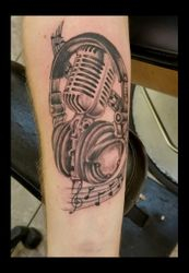 Microphon Head phones tattoo by Ruben