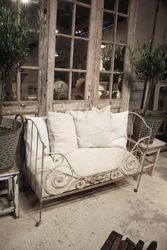 #18/216 Small Iron Daybed SOLD