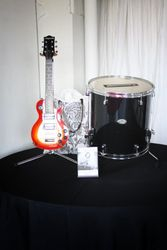 Drum to hold bride & groom's cards