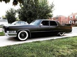 18.69 Cadillac Deville,