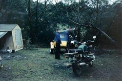 1990 Alpine Rally @ Perkins Flat - warming up the kick start