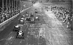 Start of Mutual Roadster race at Winchester 1948