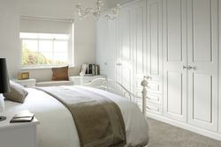 COLONIAL GEORGIAN SMOOTH WHITE BEDROOM